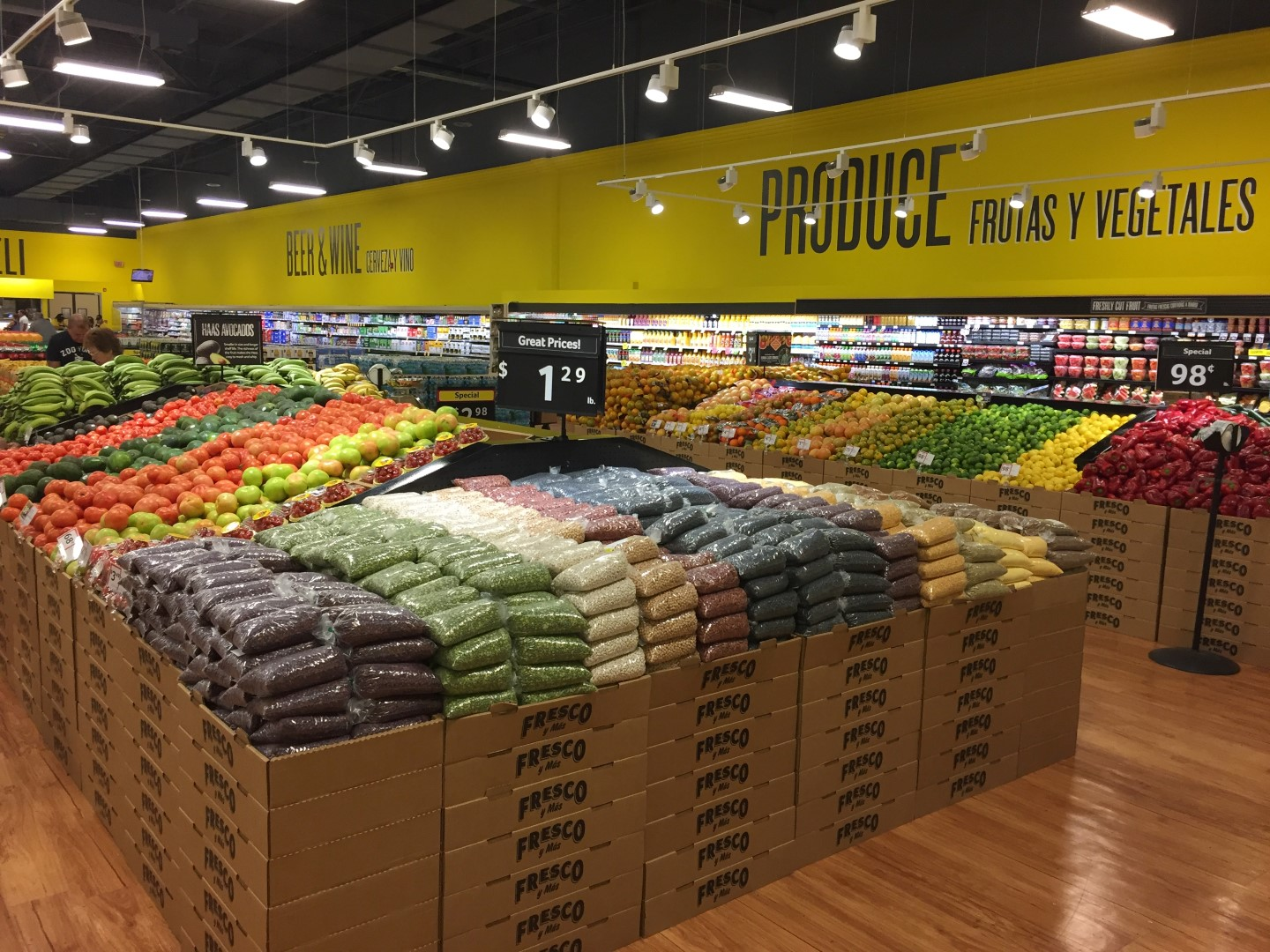 Produce selection at Fresco Y Mas